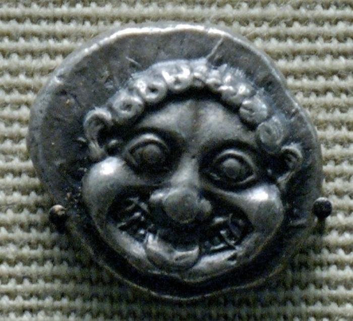 Голова Горгоны, афинская серебряная дидрахма, 520 г. до н.э. / Фото: http://cp14.nevsepic.com.ua