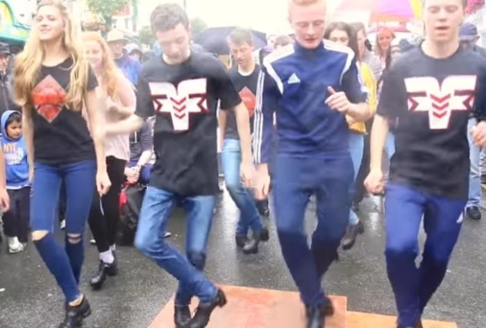 Танцуют ВСЕ: ирландские уличные танцы