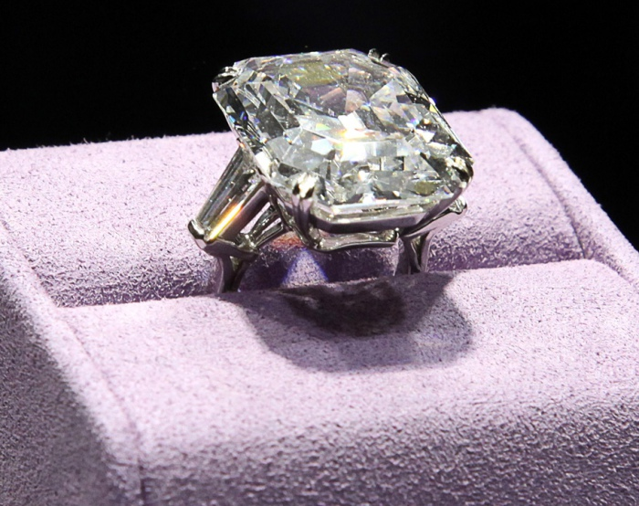 33-каратный бриллиант Круппа.