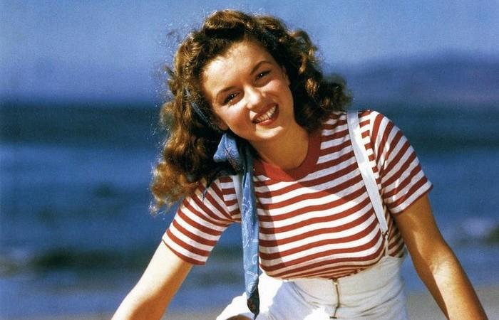 Мэрилин Монро от рождения была брюнеткой.