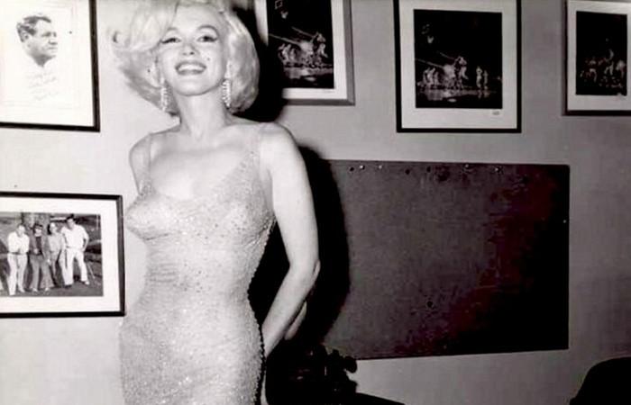 Ее платья и сегодня стоят очень дорого.