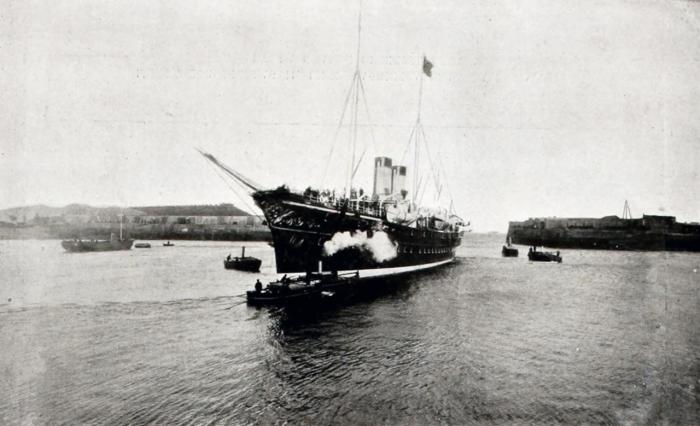 На пути в Шербур. Императорская яхта Полярная Звезда.