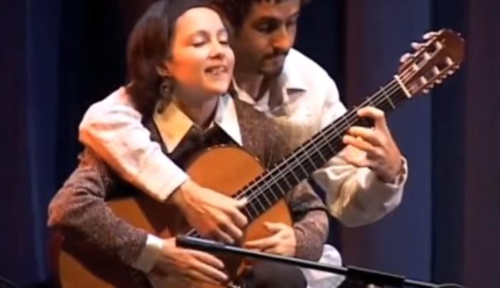 «Tico-Tico» на одной гитаре в четыре руки