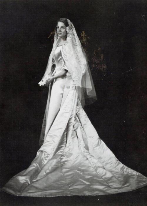 Невеста № 4: Сара Зайлер, которая вышла замуж за Дункана Оджена в 1960 году.
