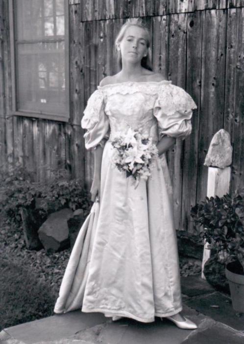 Невеста № 8: Джейн Оджен, которая вышла замуж за Джеймса Хьюстона в 1986 году.