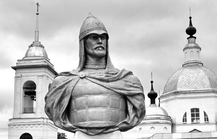 Памятник Александру Невскому во Владимирской области./ Фото: sergiev.ru