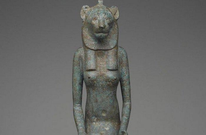Древний Египет: убийство кошки каралось смертью.