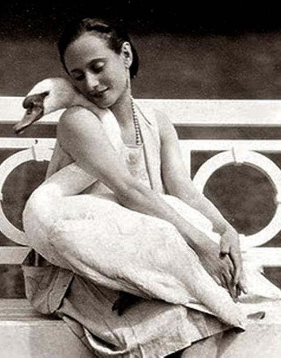 https://kulturologia.ru/files/u8921/anna-pavlova-02.jpg