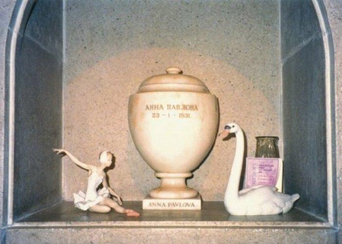 Урна с прахом Анны Павловой в колумбарии Golders Green./фото:  renclassic.ru
