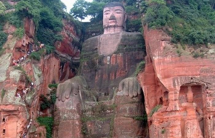 Гигантский Будда в Лэшане.