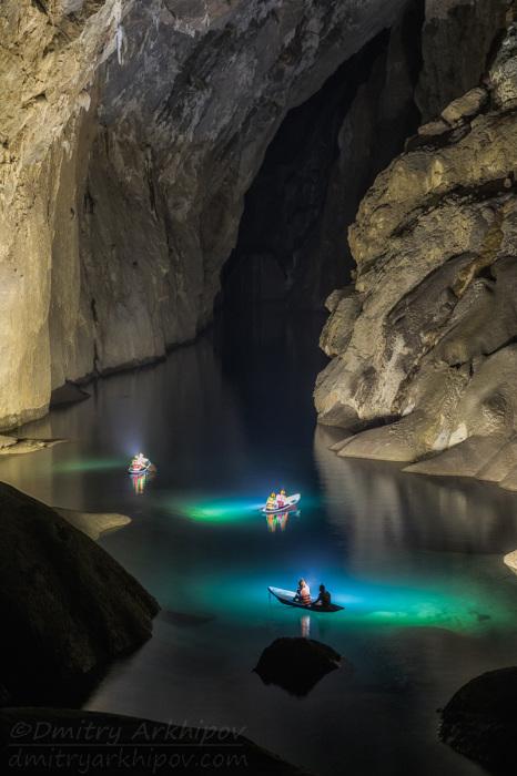 В самой большой в мире пещере Шондонг. / Фото: Дмитрий Архипов.