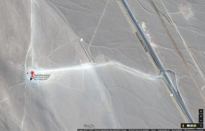 «Рука пустыни» на карте Google.