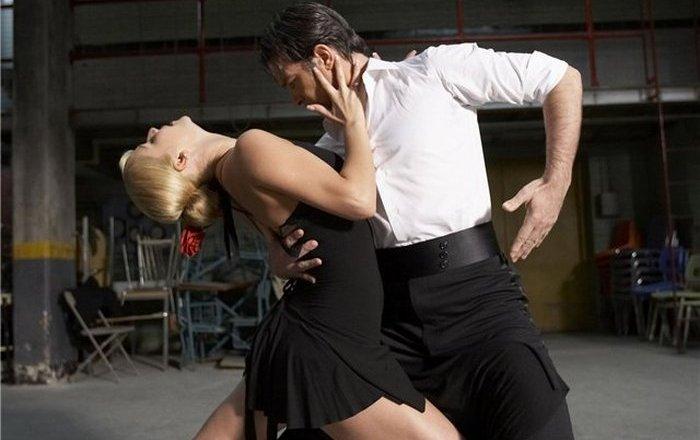 Чувственное танго Антонио Бандероса из фильма «Держи ритм»