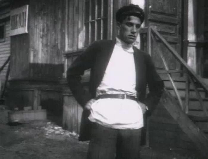 Владимир Маяковский в роли Хулигана.