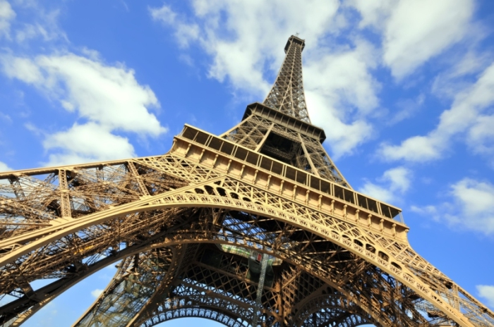 Эйфелева башня - визитная карточка Парижа.