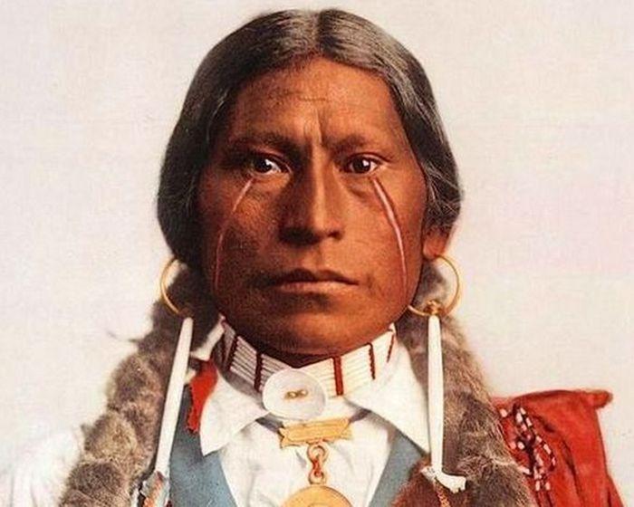 Вождь племени хикарилья-апачи Джеймс Гарфилд, 1899 год.
