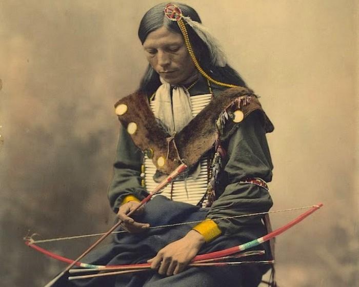 Ожерелье из костей. Вождь племени Оглала лакота, 1899 год.