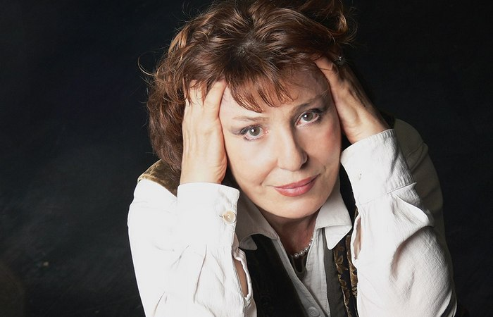 Елена Камбурова.