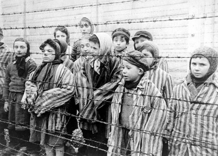 Холокост.