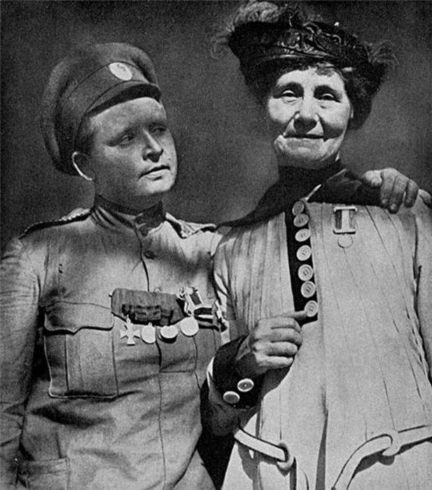 Мария Бочкарева и Эммелин Панкхёрст.