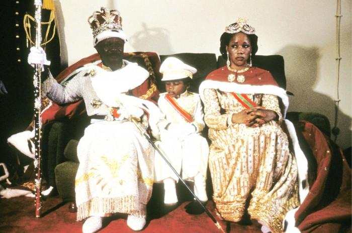 Император-каннибал с супругой и сыном.