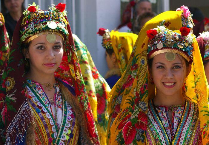 Болгарские девушки.