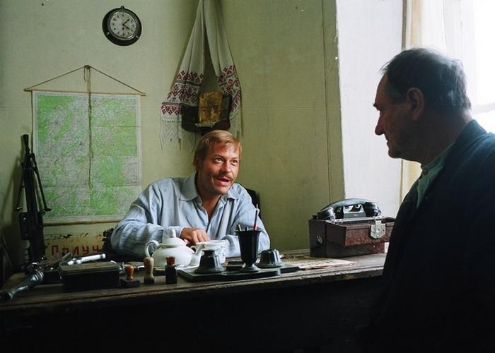 Федор Бондарчук в роли полицая Николая./фото: sinemia.com