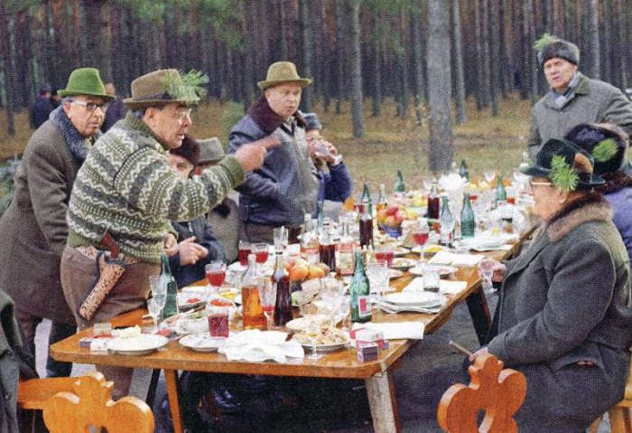 Обед по расписанию: Какие блюда любили лидеры СССР?