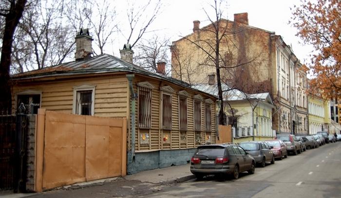 Дом Мастера в Мансуровском переулке.