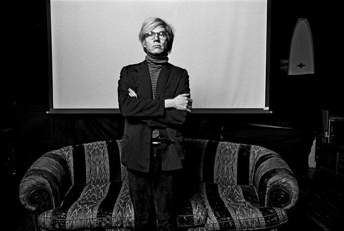 Энди Уорхол - художник, продюсер, дизайнер, писатель, коллекционер, издатель журналов и кинорежиссёр, заметная персона в истории поп-арт-движения и современного искусства в целом.