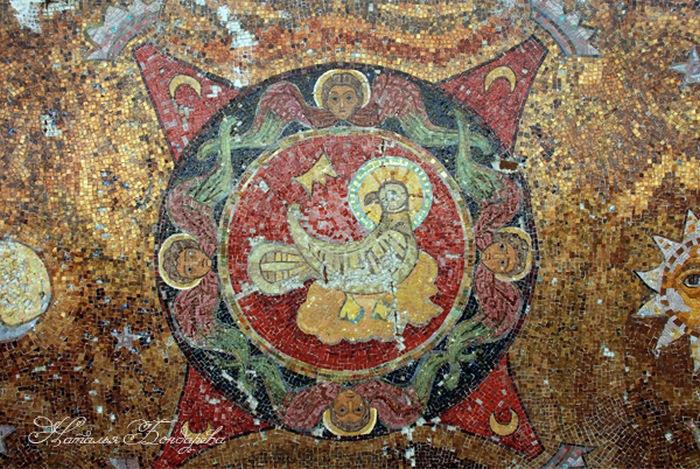 Усадьба Талашкино, фрагмент мозаики церкви св. Духа.
