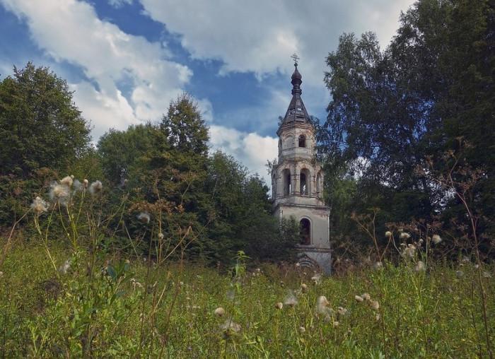 Церковь Спаса Нерукотворного Образа. Тверская область, август 2013.