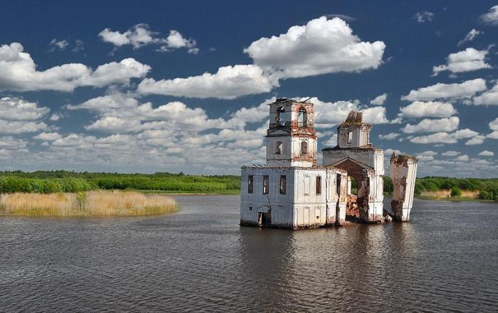 Разрушенные храмы России.