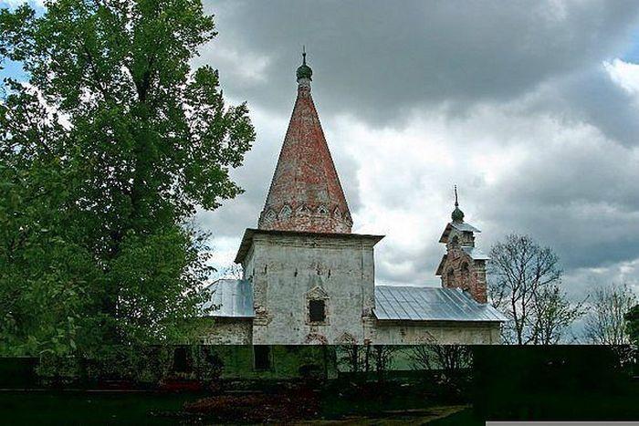 Никольская церковь в Лыткарино (усадьба Петровское).