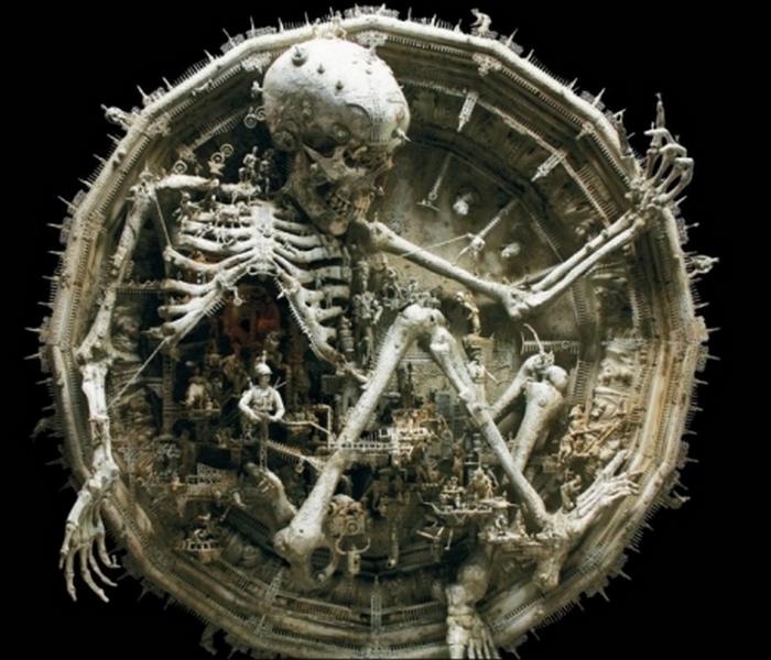 Фрагмент одной из «неоднозначных» скульптур Кукси.