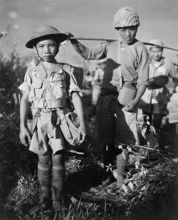 10-летний китайский солдат, май 1944 года.