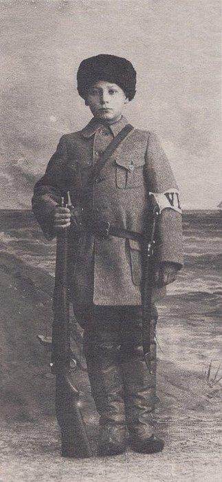 Онни Кокко, финский мальчик-солдат, умер в 1918 году после боя за Тампере.