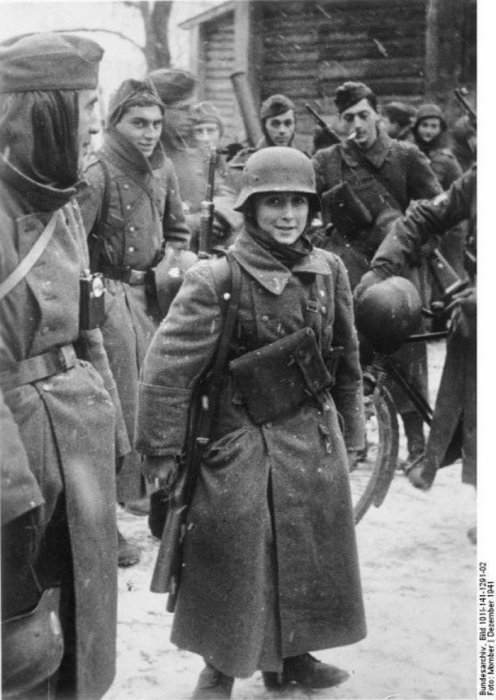 15-летний мальчик-солдат из Легиона французских добровольцев, 1941.