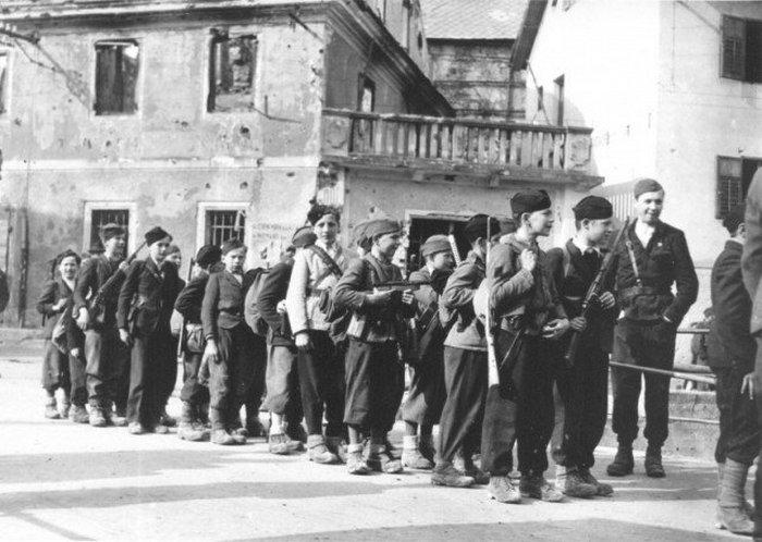 16-летний мальчик из гитлерюгенда, Германия, 1945