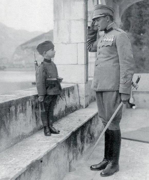 Момчило Гаврич вступил в сербскую армию в возрасте 8 лет в 1914 году. Он был самым молодым солдатом в Первой мировой войне.