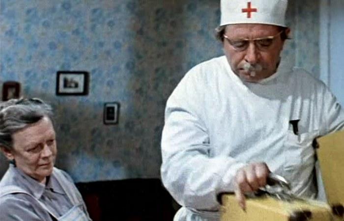 Кадр из фильма «Приключение жёлтого чемоданчика»./фото: kinofile.net