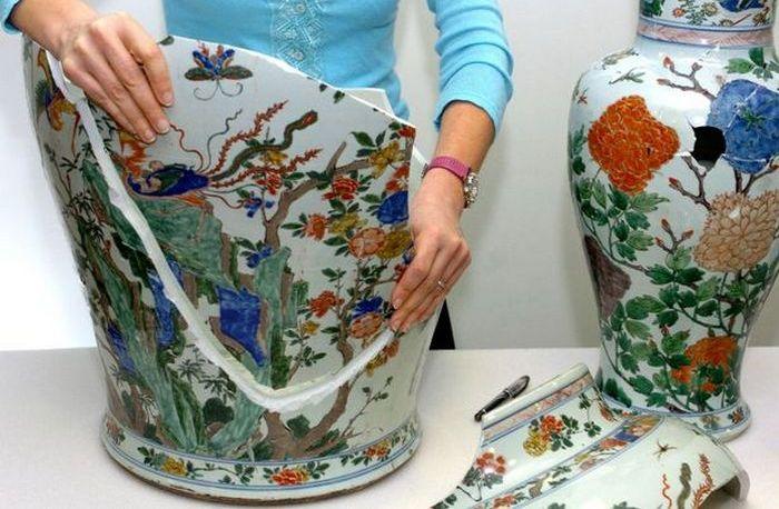 Разбитые вазы династии Цин и другие уничтоженные бесценные произведения.