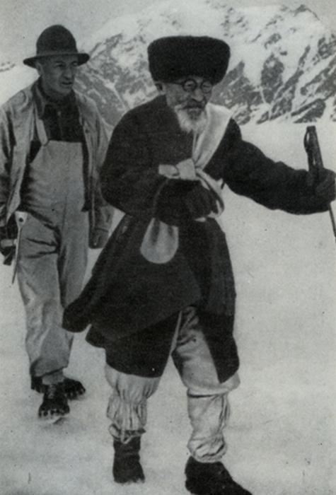 Чока Залиханов со своим старшим сыном.