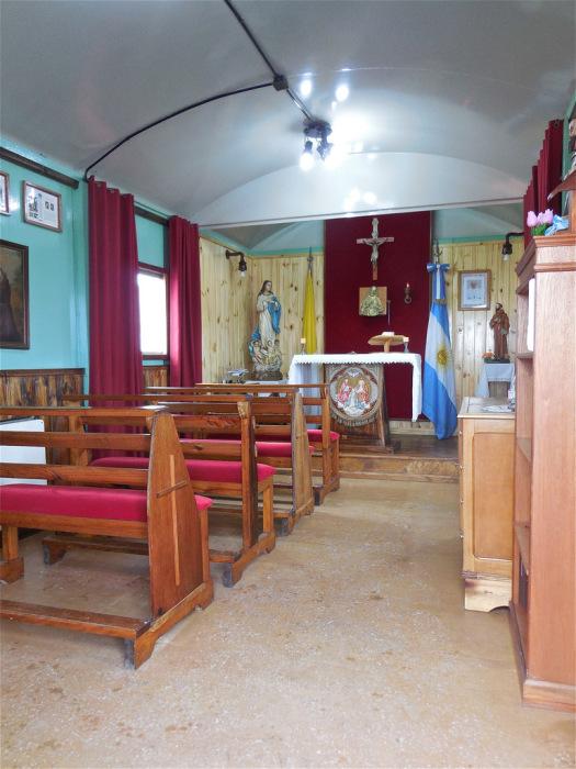 Церковь-вагончик.