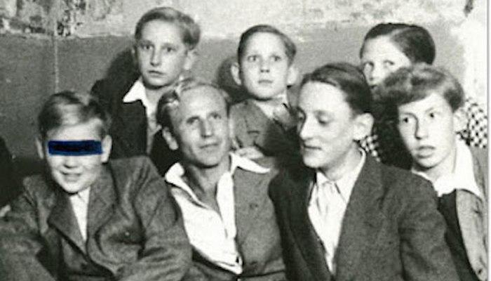 Дети колонии. Осторожно, нацизм.
