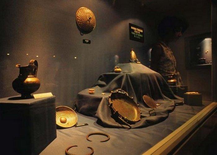 Древние проклятие: злоключения Сокровищ Креза. / Фото: listverse.com