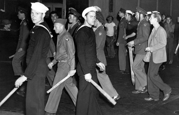 В 1943 году напряженность достигла апогея.
