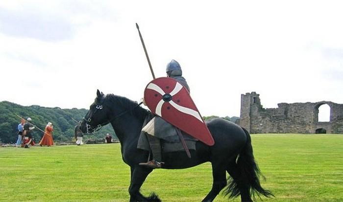 Средневековые рыцари - не всегда джентельмены.
