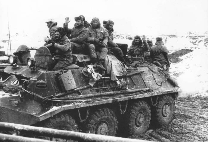 Советские войска покидают Афганистан.