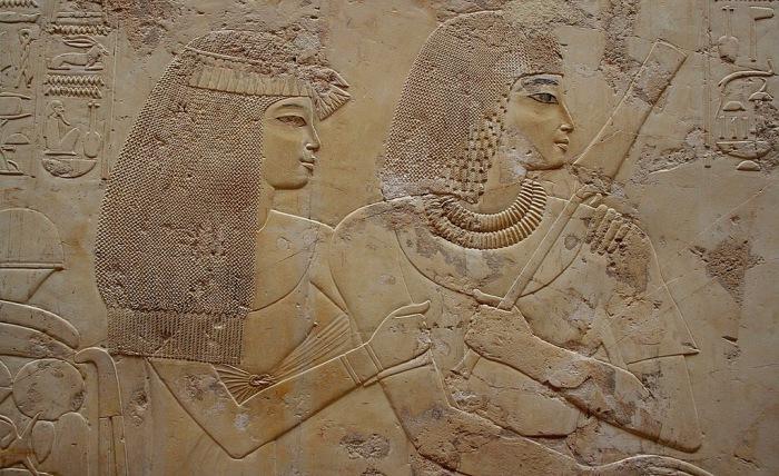 Супружеская чета. Рельеф из гробницы везира Рамосе. Шейх Абд эль-Курна, Луксор. 14 в. до н.э.